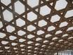 Autor: Rosa M Herrera , Títol: Polígonos del techo descendiendo a la ventana en curva