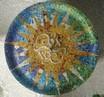 Autor: Paula Álvarez Magrí, Títol: El Sol de mosaics (Parc Güell)